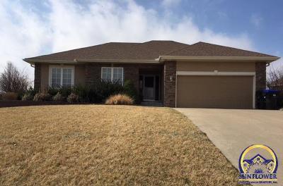 Topeka KS Single Family Home For Sale: $260,000