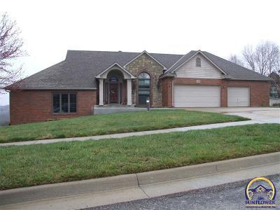 Topeka Single Family Home For Sale: 3735 SW Cobblestone Pl