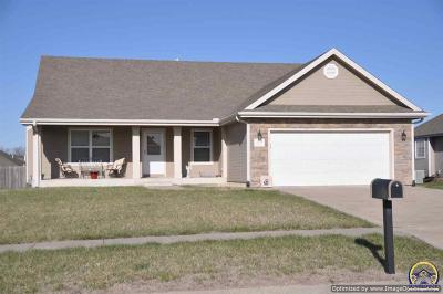 Topeka Single Family Home For Sale: 4331 SW Misty Harbor Dr