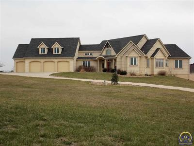 Topeka Single Family Home For Sale: 5210 NW North Pointe Dr