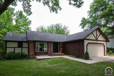 Topeka Single Family Home For Sale: 2328 SW 34th St