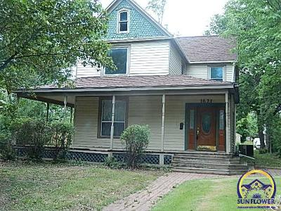 Topeka KS Single Family Home For Sale: $95,000