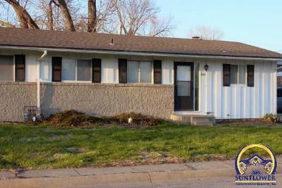 Topeka KS Single Family Home For Sale: $47,900