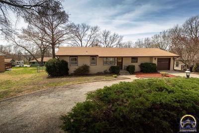 Topeka KS Single Family Home For Sale: $179,500