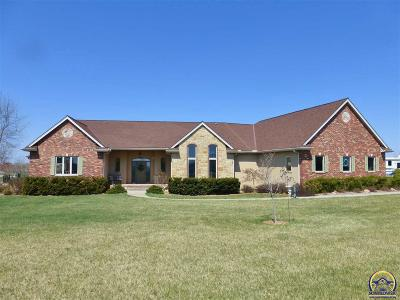 Topeka Single Family Home For Sale: 6345 NW Kelshar Dr
