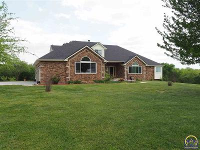 Topeka Single Family Home For Sale: 5521 SE 61st St