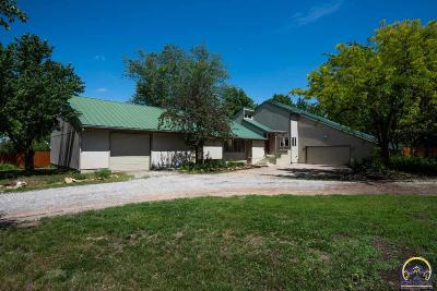 Topeka Single Family Home For Sale: 5720 SW Fairlawn Rd
