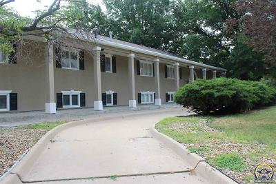 Topeka Single Family Home For Sale: 2222 SW Westridge Dr