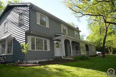 Topeka Single Family Home For Sale: 108 SW Redbud Ln