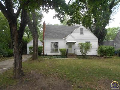Topeka Single Family Home For Sale: 3909 SW Windsor Ct