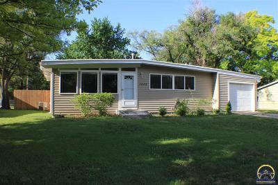 Topeka Single Family Home For Sale: 1933 SW 34th St