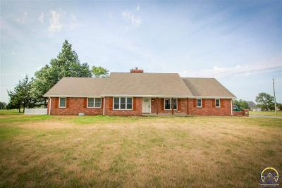 Topeka Single Family Home For Sale: 7848 SW 21st St
