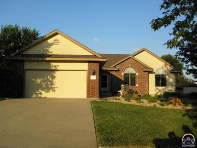 Topeka Single Family Home For Sale: 2822 SW Santa Fe Dr