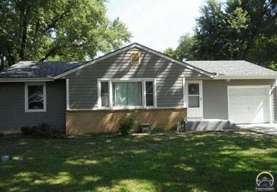 Topeka Single Family Home For Sale: 4632 NW 35th St
