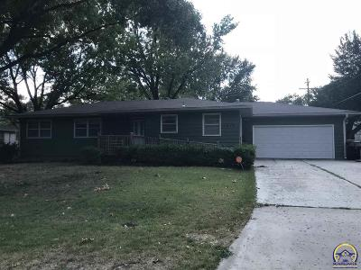 Topeka Single Family Home For Sale: 1819 SW Crest Dr