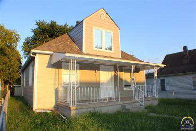 Topeka Single Family Home For Sale: 106 NE Chandler St