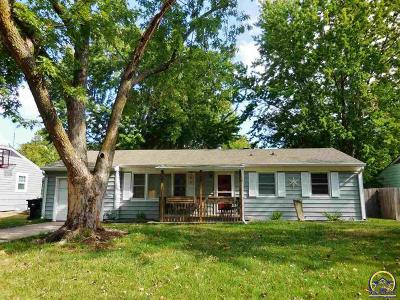 Topeka KS Single Family Home For Sale: $89,900