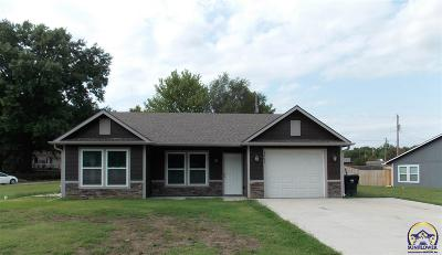Topeka KS Single Family Home For Sale: $134,900