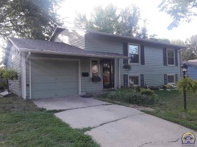 Topeka KS Single Family Home For Sale: $128,900