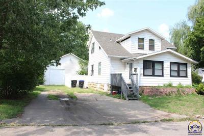 Topeka KS Single Family Home For Sale: $172,500