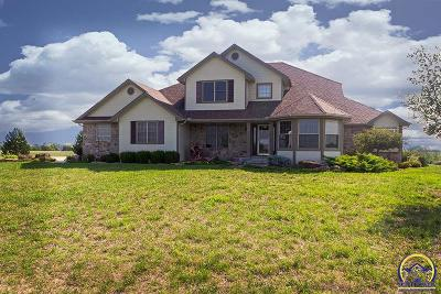 Topeka Single Family Home For Sale: 6440 NW Jennings Rd