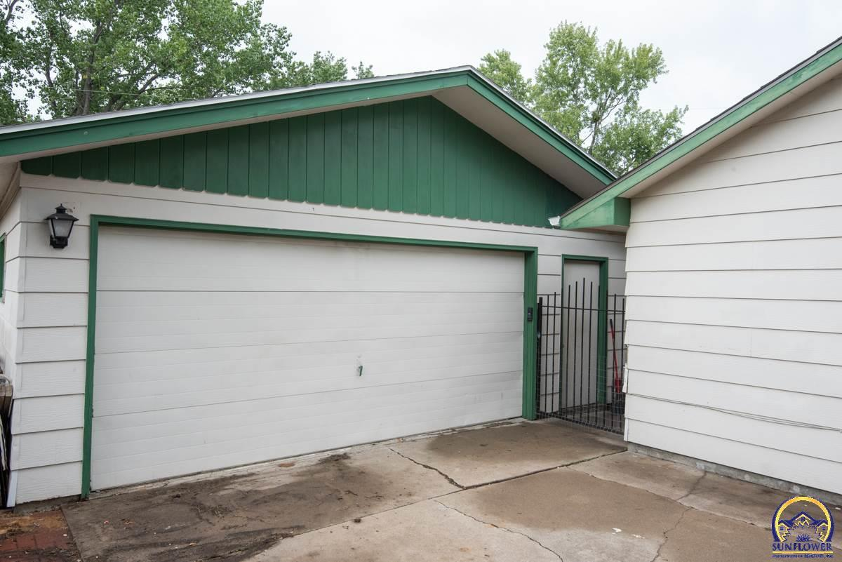 Listing 4008 Sw 34th St Topeka Ks Mls 203415 Ek Real Estate