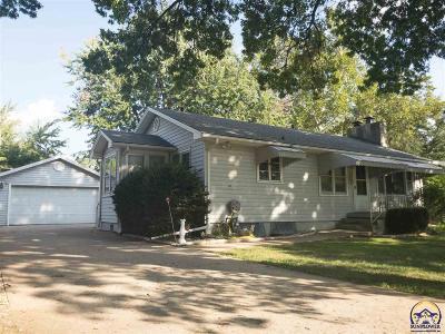 Topeka KS Single Family Home For Sale: $95,000