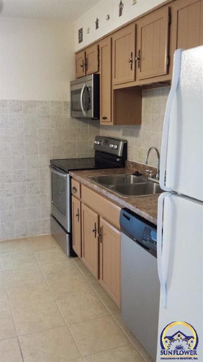 Emporia KS Single Family Home For Sale: $495