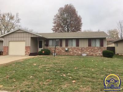 Topeka KS Single Family Home For Sale: $110,000