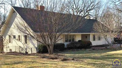 Topeka Single Family Home For Sale: 2817 SW Plass Ave
