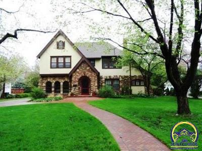 Topeka KS Single Family Home For Sale: $189,900
