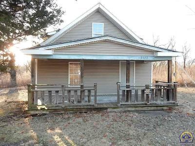Topeka KS Single Family Home For Sale: $38,950