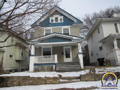 Topeka Single Family Home For Sale: 1730 SW 3rd St