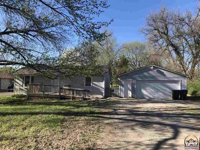 Topeka KS Single Family Home For Sale: $88,900