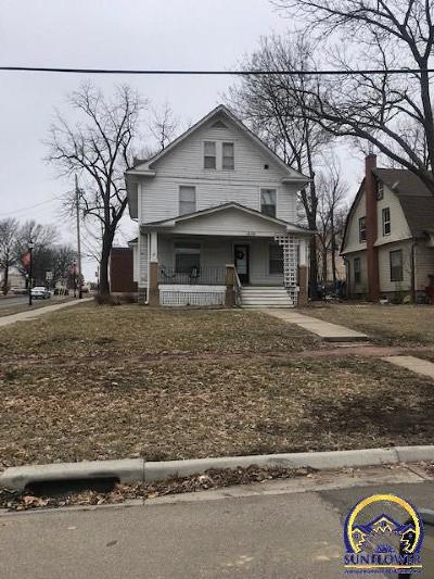 Topeka Single Family Home For Sale: 1635 SW Mulvane St