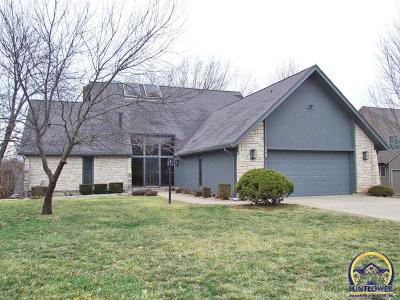 Topeka Single Family Home For Sale: 3901 SW Worwick Town Rd
