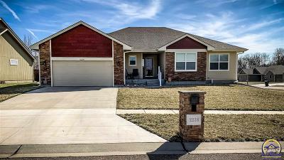 Topeka Single Family Home For Sale: 2238 SE Greenwood Ct