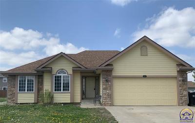 Topeka KS Single Family Home For Sale: $186,900
