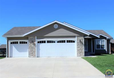 Topeka Single Family Home For Sale: 7028 SW 18th St