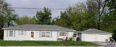 Topeka KS Single Family Home For Sale: $42,000