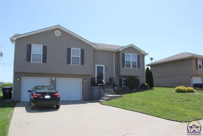 Topeka KS Single Family Home For Sale: $148,500