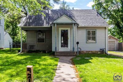 Topeka Single Family Home For Sale: 921 SW Plass Ave