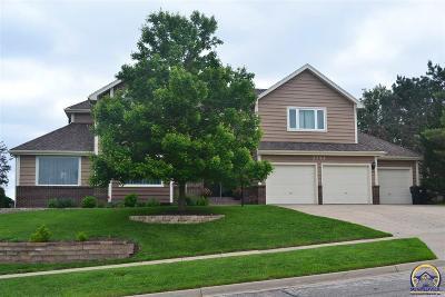 Topeka Single Family Home For Sale: 3724 SW Cobblestone Pl