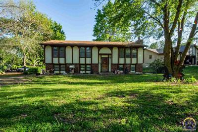 Topeka KS Single Family Home For Sale: $144,900