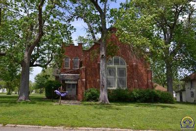 Lyndon Single Family Home For Sale: 327 W 6th St