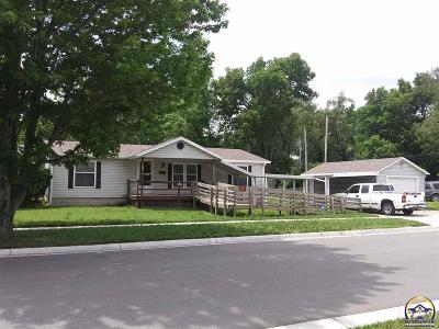 Topeka Single Family Home For Sale: 1335 NW Harrison St