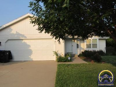 Topeka Single Family Home For Sale: 1744 SW Hidden Valley Dr
