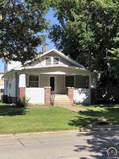 Topeka Single Family Home For Sale: 1020 SW Mulvane St