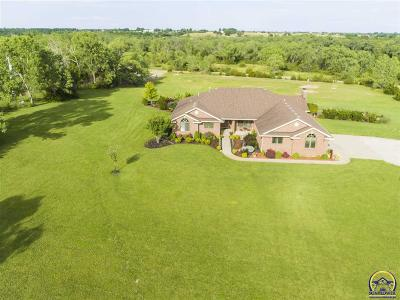 Topeka Single Family Home For Sale: 7210 NW Wilson Rd