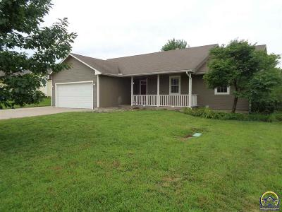 Topeka Single Family Home For Sale: 4007 NW Fielding Ter
